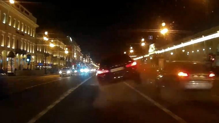 момент массового дтп невском проспекте петербурге сняли видео