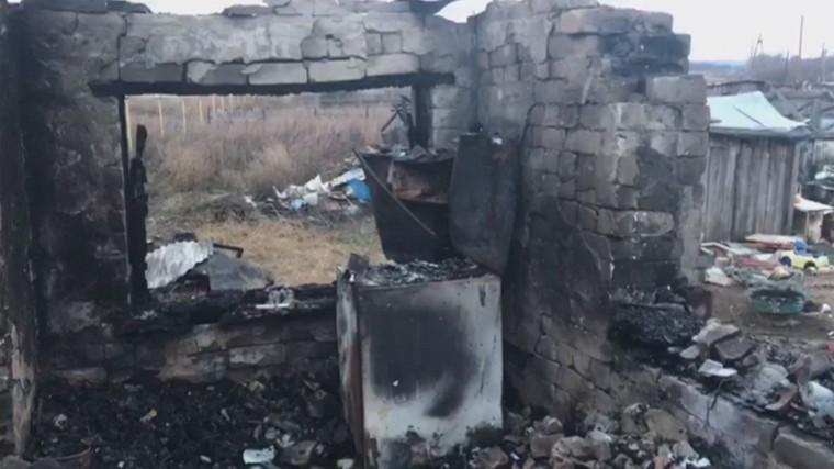 Страшный пожар унес жизни троих детей вСамарской области— подробности сместа