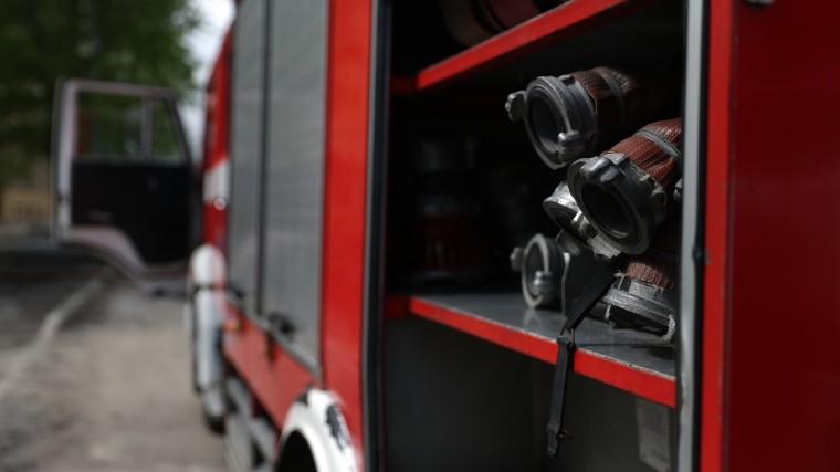 Двое детей иженщина погибли при пожаре вжилом доме вБратске