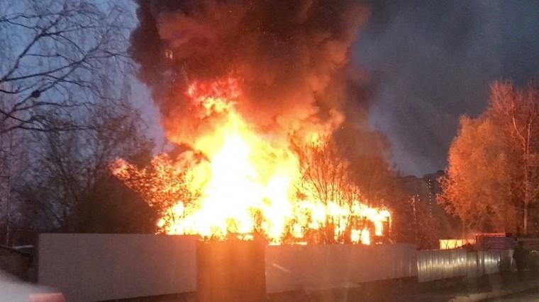 Четыре человека стали жертвами пожара вшиномонтаже Ленобласти