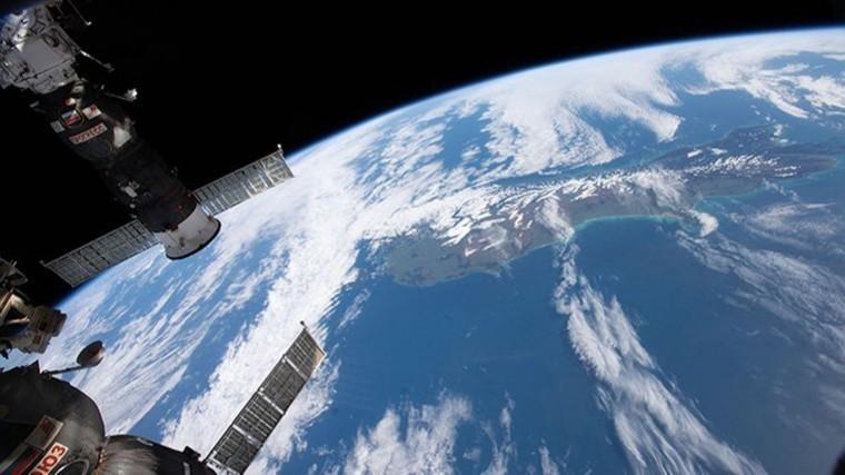 Прямая трансляция стыковки грузового корабля «Прогресс МС-10» кМКС