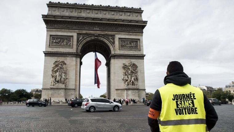 париже закрыли триумфальную арку получившую повреждения ходе протестов