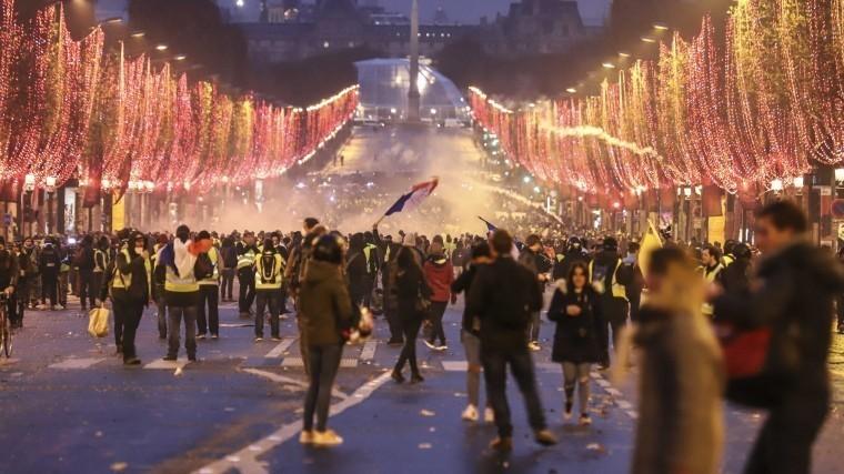 париж руинах франция оценивает ущерб протестов желтых жилетов