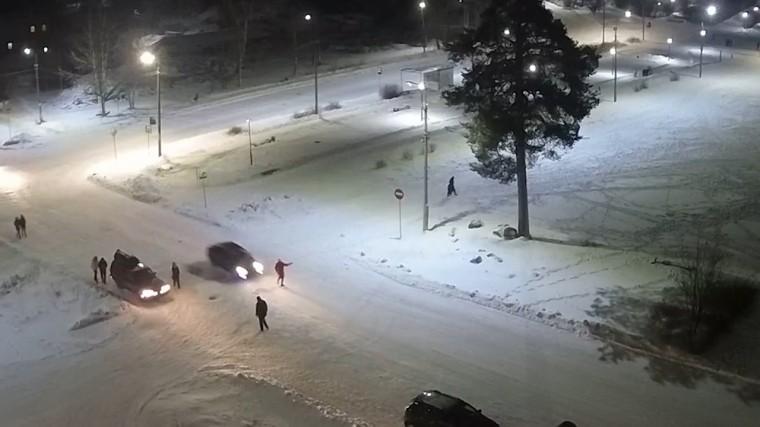 карельского мэра сбил автомобиль здания городской администрации видео
