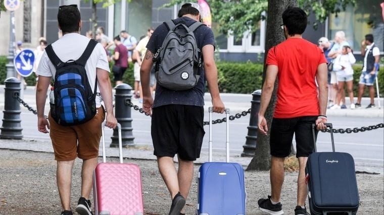 заберите москвичи отчаялись вылететь китайского курорта