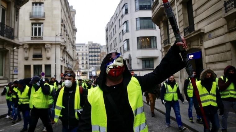 франции ходе протестов желтых жилетов ранена корреспондент