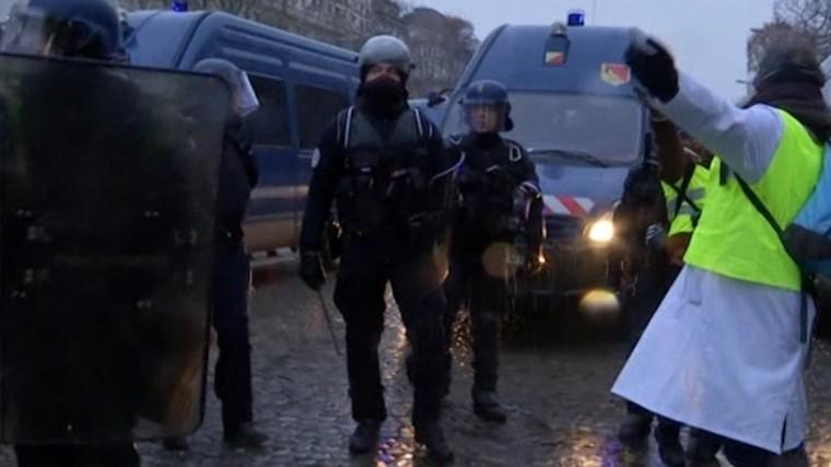 пятая волна протестов желтых жилетов франции манифестантов