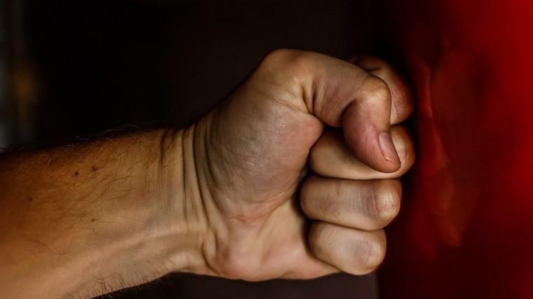 районного депутата алтайского края обвинили избиении сотрудниц кафе