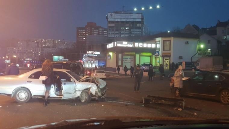 видео машин маршрутка столкнулись владивостоке пострадавших