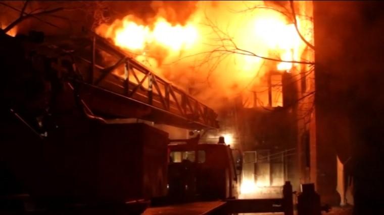 Трое детей заживо сгорели в деревянном доме в Хабаровском крае