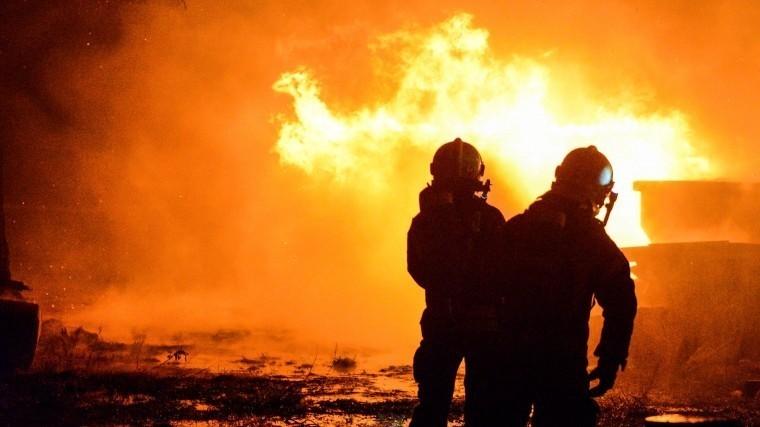 Видео: вКемеровской области сгорела обогатительная фабрика