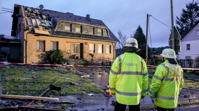 редкое германии явление торнадо пронесся ахеном видео