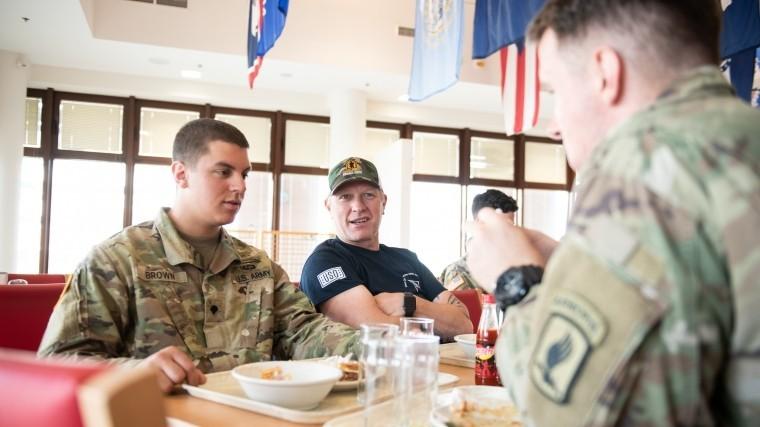 ВСША военные заняли первое место среди самых пьющих профессий