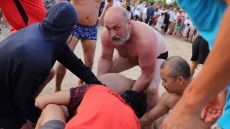 Как российский турист китайца отсмерти спас— репортаж