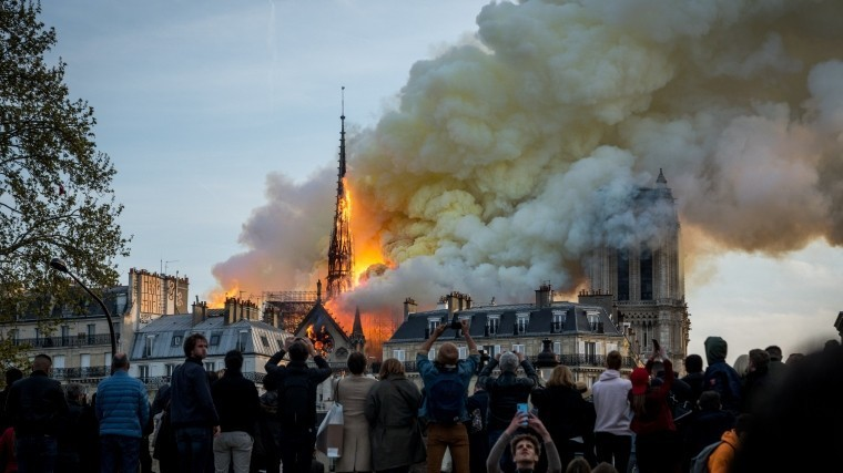 Пожар вСоборе Парижской Богоматери— как это было, причины ипоследствия