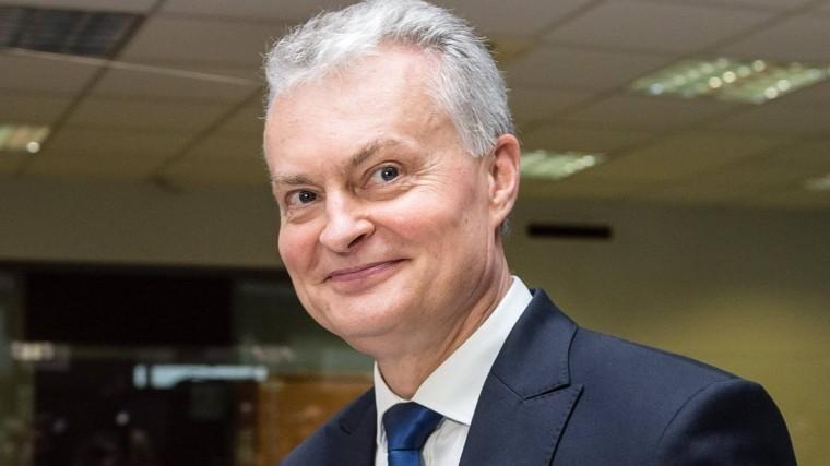 президентом литвы бывший менеджер банка видео