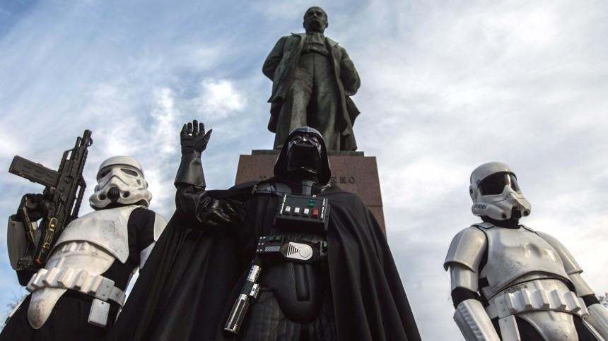 ЦИК Украины показала лицо кандидата вдепутаты Рады Дарта Вейдера