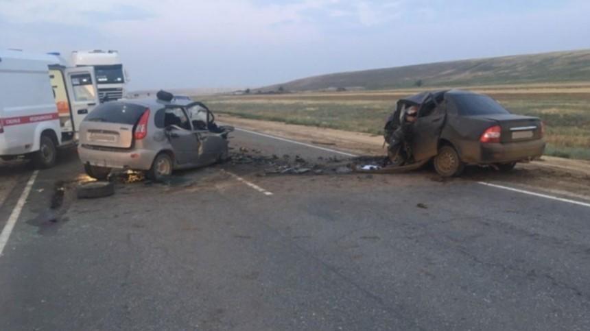 Четверо погибли вжуткой аварии вКалмыкии— фото
