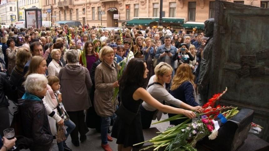 Почему петербуржцы выступили против фестиваля Довлатова— видео