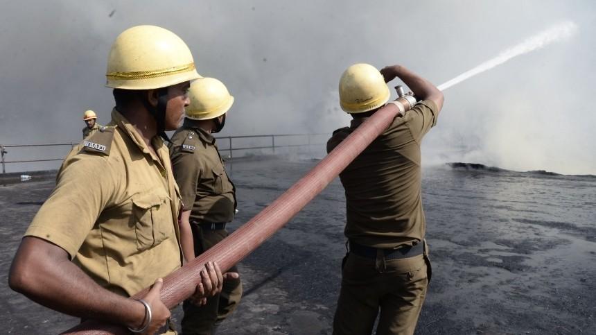 видео менее шести погибли взрыве химическом заводе индии