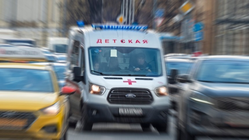Трехлетний ребенок выпал изокна 11-го этажа вМоскве иостался жив
