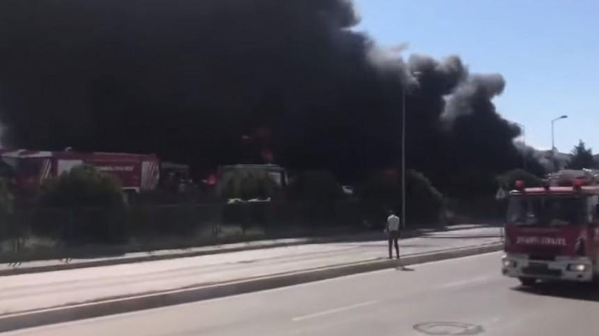 видео мощный взрыв произошел химическом заводе турции