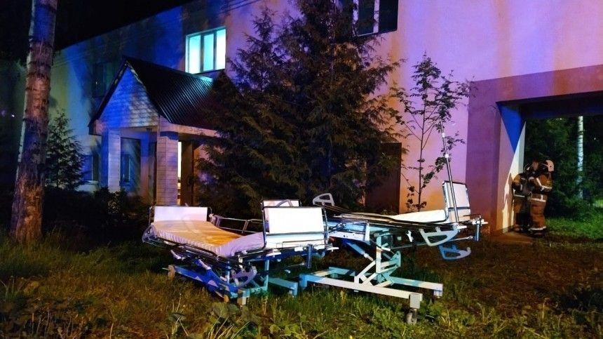 Видео пожара вбольнице Татарстана, из-за которого погибли два человека