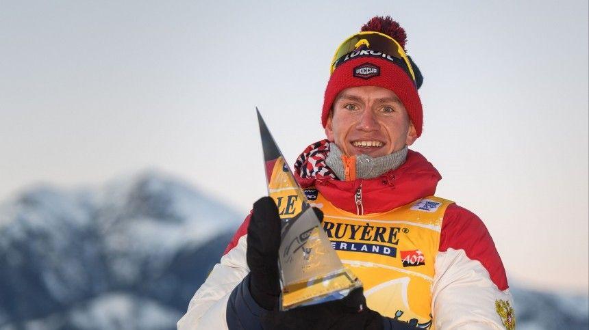 Лыжник Большунов упал вскиатлоне инепопал втройку лидеров