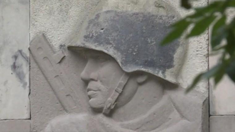 Варшава начала демонтаж памятника Благодарности Красной армии в Скарышевском парке