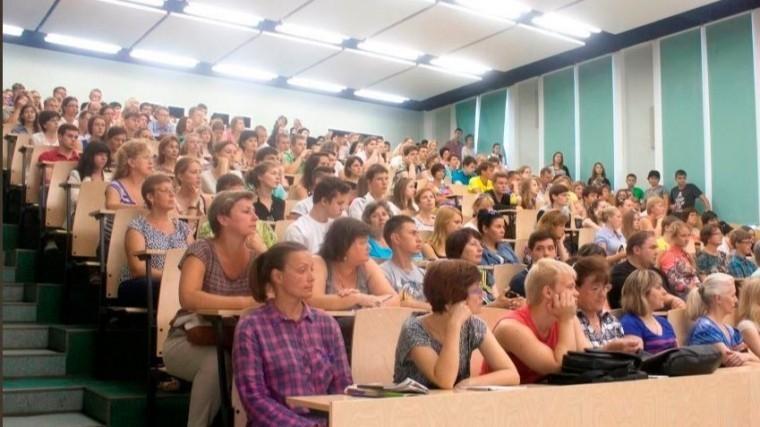 Бизнес или коррупция? ВПетербурге студентов обязали покупать дорогую программу
