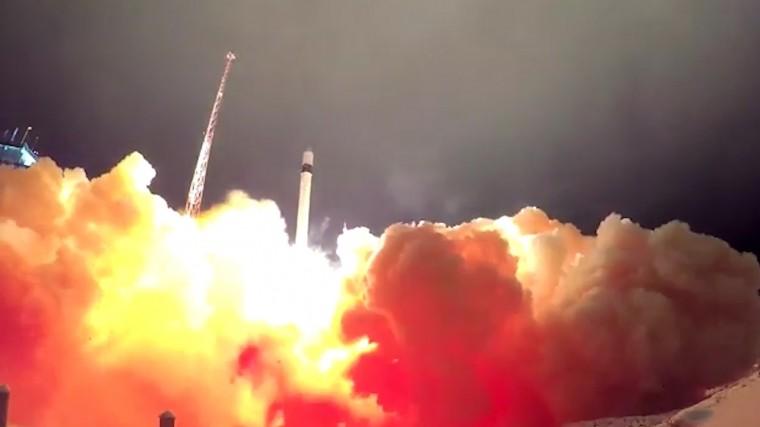 Видео: ракета-носитель «Рокот» взлетает своенными спутниками Минобороны