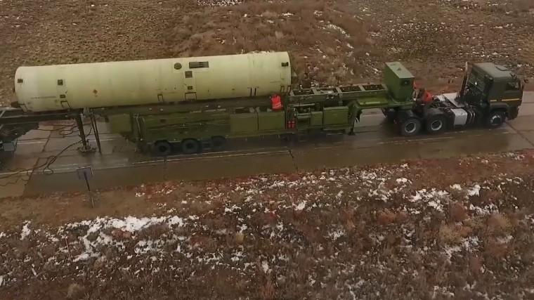 Опубликовано видео испытаний новой российской противоракеты вКазахстане