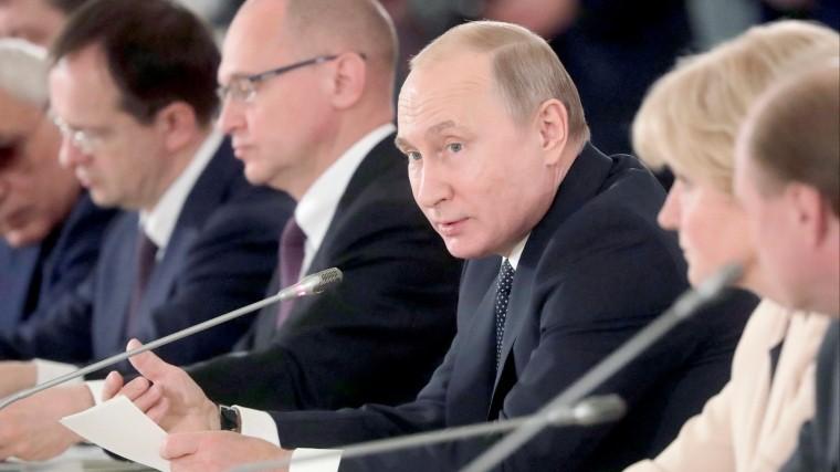 Путин ответил шуткой напредложение разрешить нецензурно выражаться вСМИ