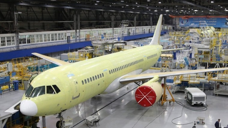 Власти РФ заявили, что санкции не помешают довести до конца проект самолета МС-21
