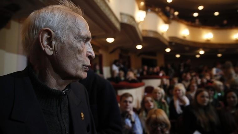 Василий Лановой отмечает свое 85-летие насцене театра Вахтангова