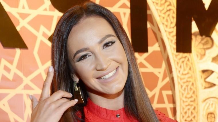 «Буду классным»: Шоумен Басков позвал Бузову замуж