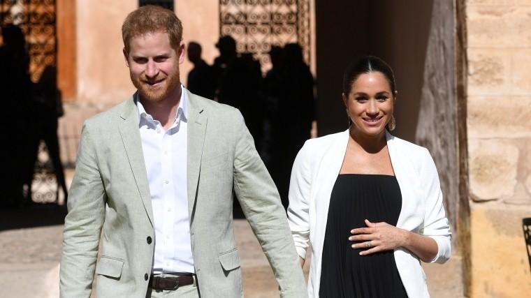 Принц Гарри иМеган Маркл собираются уехать изБритании после рождения первенца