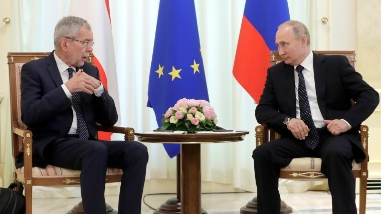 Путин: РФочень ценит внеблоковый статус Австрии