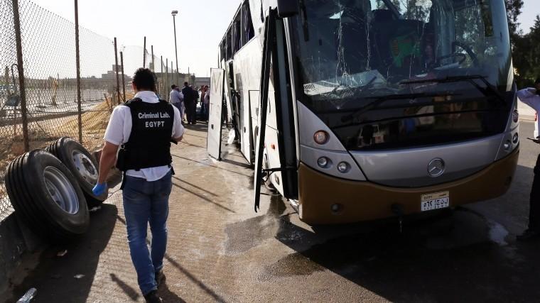 СМИ: в Каире в результате взрыва вблизи туристического автобуса пострадали 14 человек