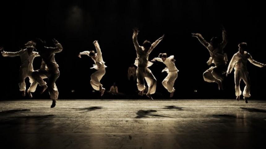 Видео: Танцы исовременные технологии сплетутся нафестивале Open Look вПетербурге