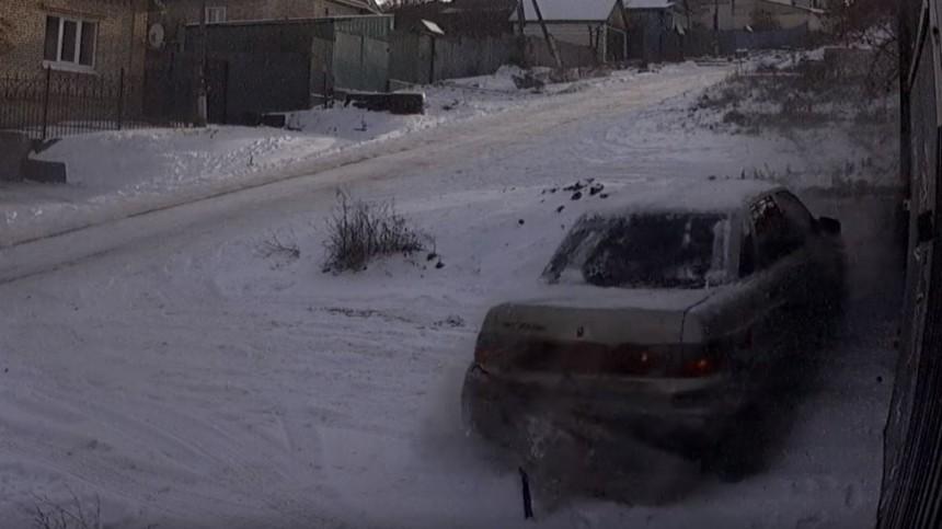 Жительница Пензы регулярно публикует всети видео аварий наодном итомже месте