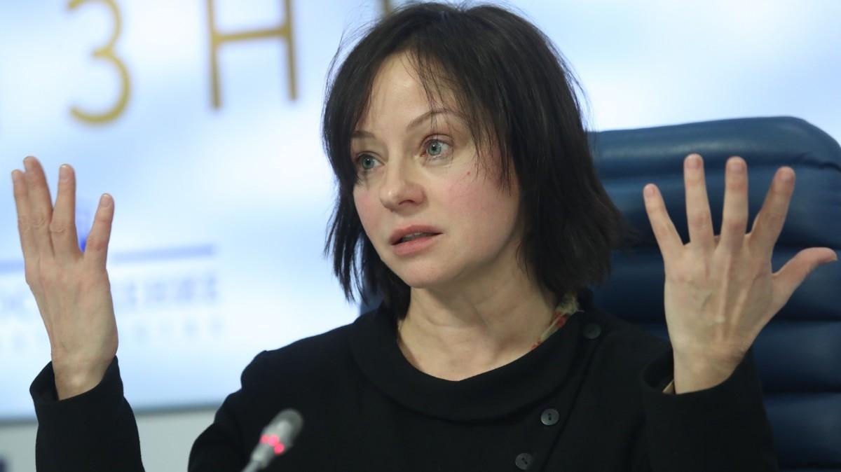Актриса Евгения Добровольская вышла замуж за Михаил Ефремова в 1987-м, а развелась в 1997-м. В 1991-м у пары родился сын Николай.