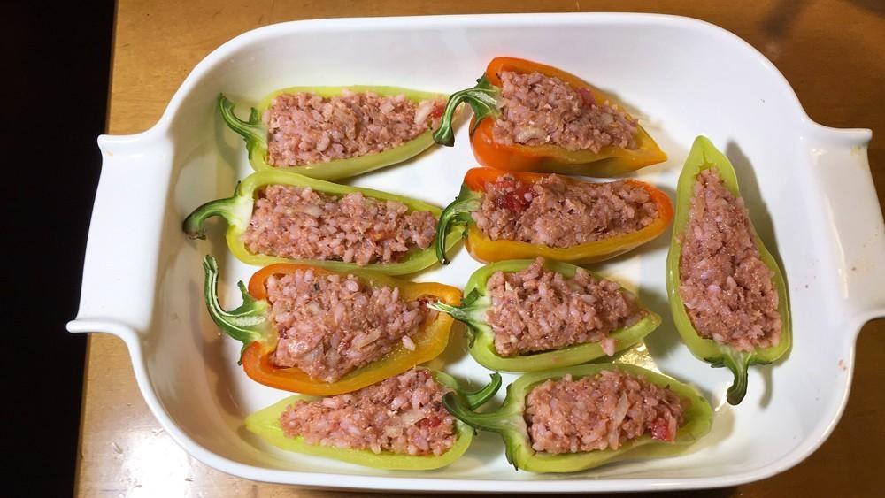 Готовим сочные фаршированные перцы— горячее блюдо для вкусной осени