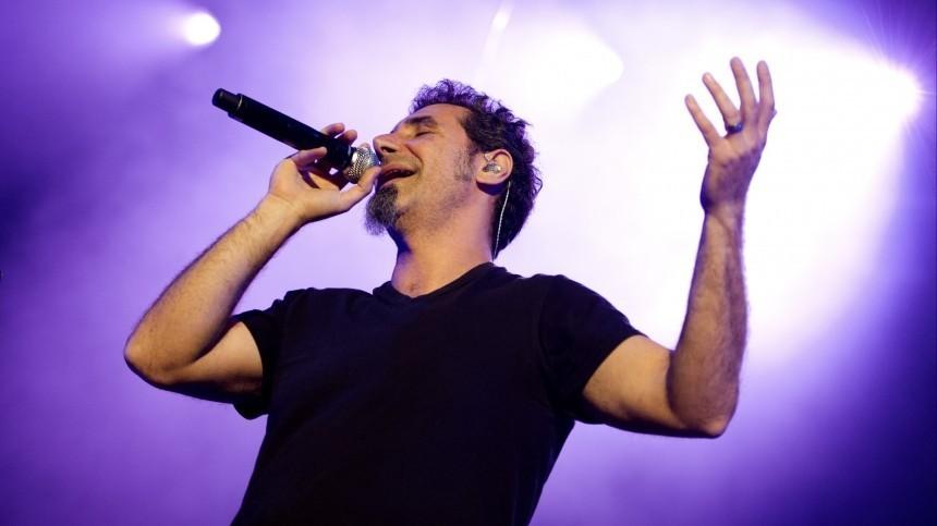 Вокалист System of a Down Серж Танкян