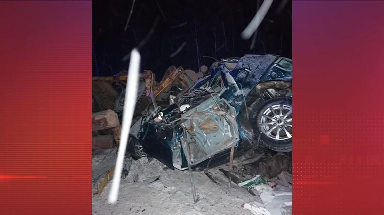 Четыре человека погибли вДТП спассажирским автобусом вИркутской области —фото