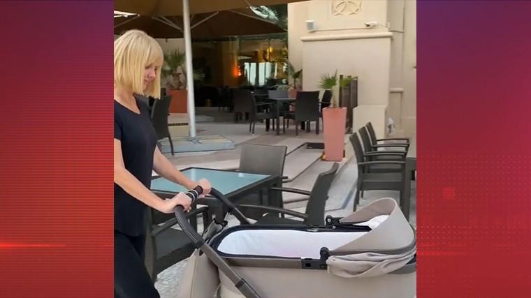 «Младенческие радости»: Валерия показала видео прогулки скрошкой-внучкой