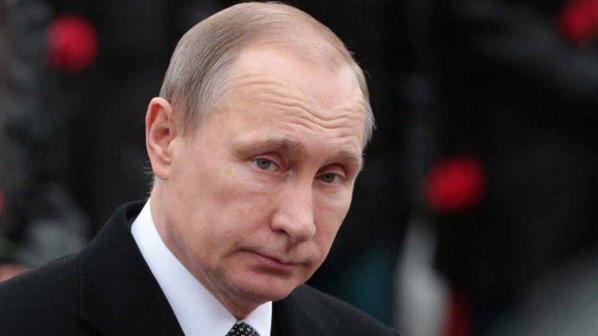 Владимир Путин осмотрел экспозицию трехмерной панорамы «Дорога через войну»