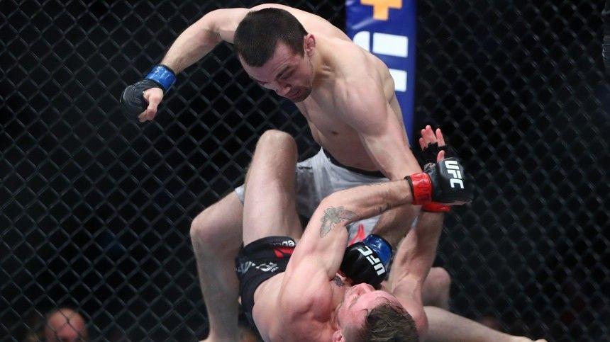 Российский боец Аскар Аскаров победил американца Эллиота натурнире UFC 246