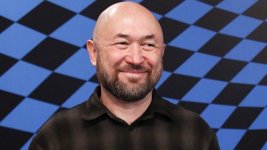 Режиссер Бекмамбетов расскажет подробности съемок первого вертикального фильма