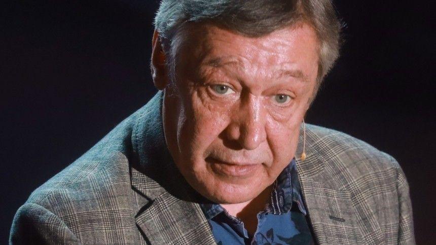 Видео: Слушание поделу огромком ДТП сучастием Ефремова перенесли